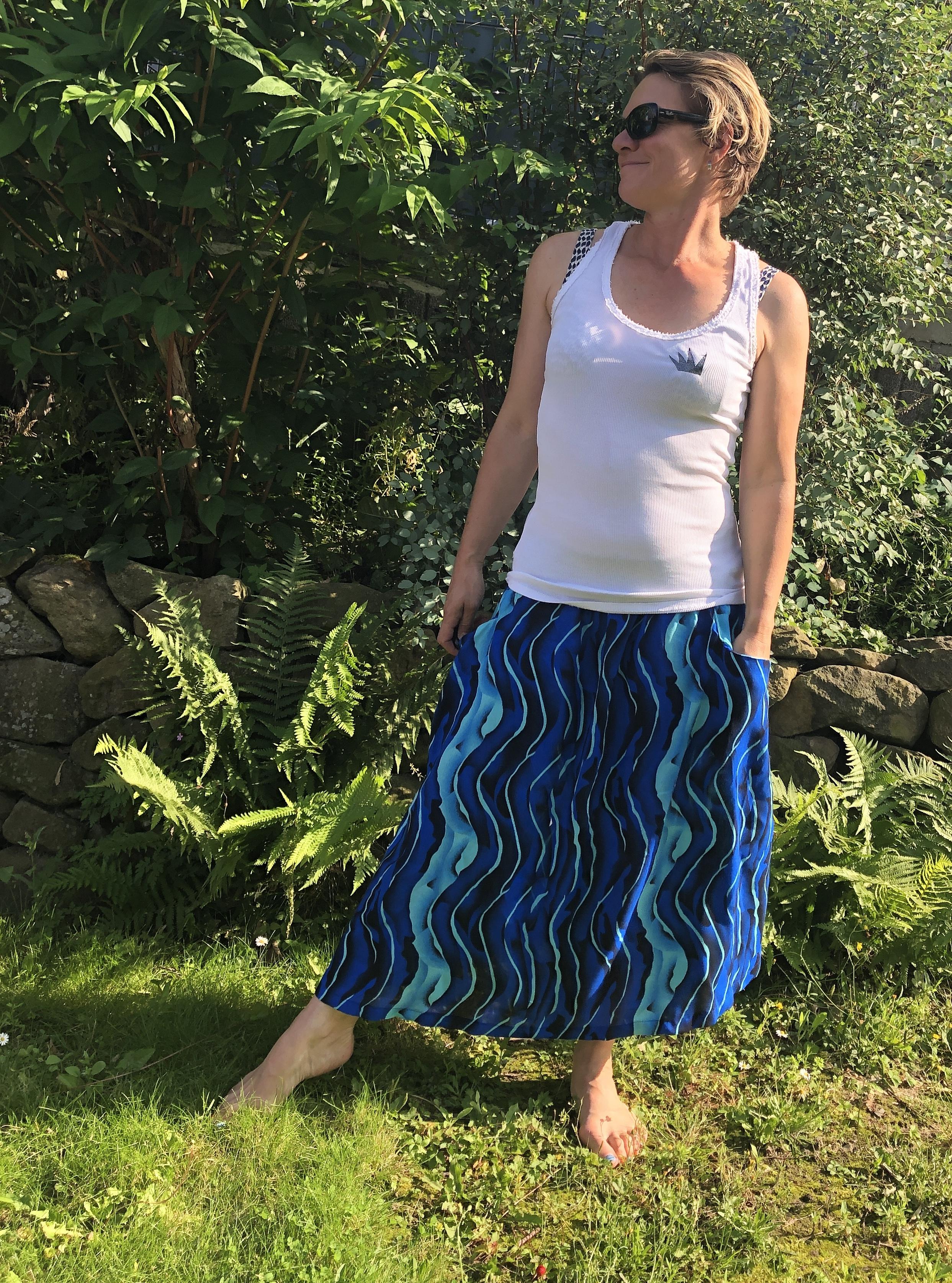 Crew Box Rock Frau Lissy Hedi näht Waves auf Blau