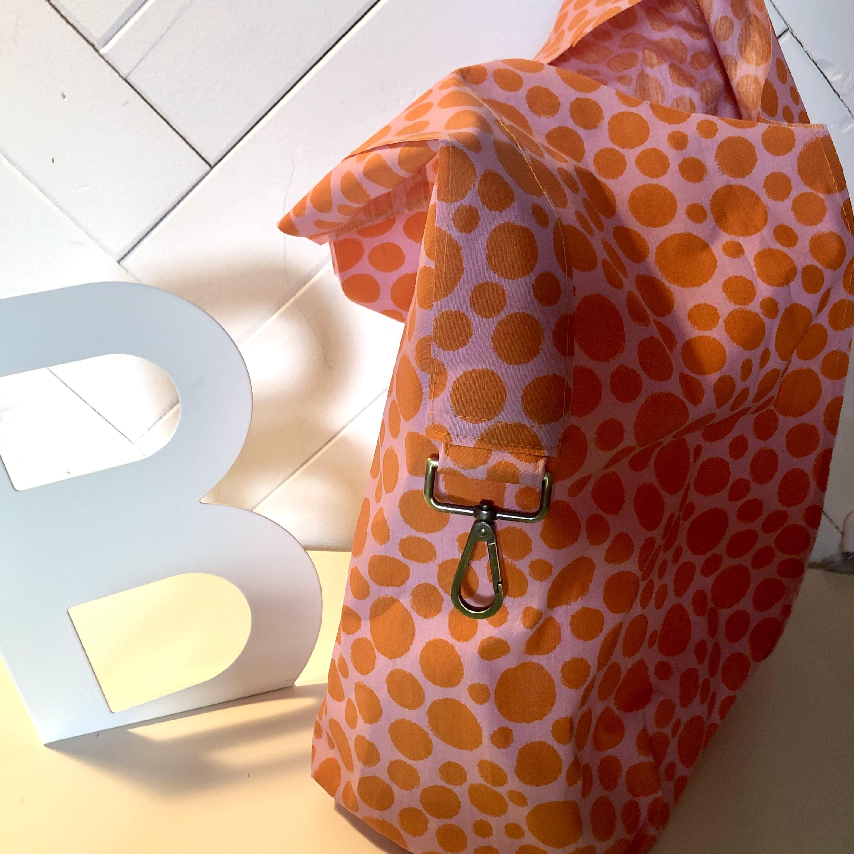 Crew Box Purely Bag Retro Dots auf Pink
